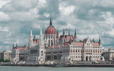 Maďarský zákon obmedzujúci mimovládky je v rozpore s európskym právom